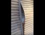VÍDEO: ladrão furta loja, danifica portas de comércios, mas acaba preso