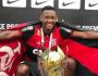 Tia de vítima tenta liberar corpo no IML e acusa: 'Flamengo não está trazendo nada'