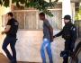 Polícia encontra suspeitos escondidos até em forro de apartamentos