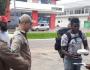 Imigrante colombiano 'ganha' marmitex com pedaços de vidro e é hospitalizado