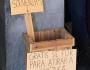 Estudantes portugueses oferecem pedras para atirar em alunos brasileiros
