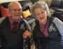Casal de idosos está junto há 68 anos e usam roupas combinando todos os dias