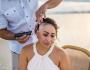 Professora com câncer faz 'ritual' emocionante para raspar cabelo