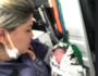 Bebê achado em caixa de papelão em terreno baldio se recupera em hospital