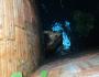 Cachorro é resgatado dentro de fossa pelo Corpo de Bombeiros