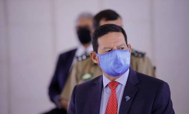 Afrontando Bolsonaro, Mourão diz que governo comprará vacina da covid-19 desenvolvida na China