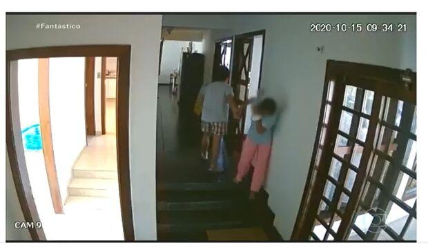Embaixadora das Filipinas que batia em empregada doméstica é chamada de volta ao país