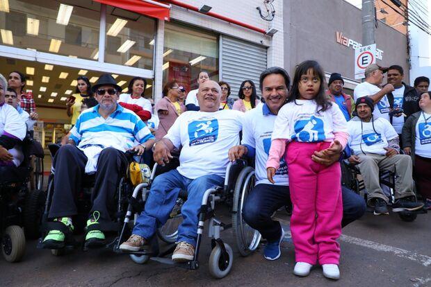 Marquinhos promete investir em acessibilidade a pessoas com deficiência