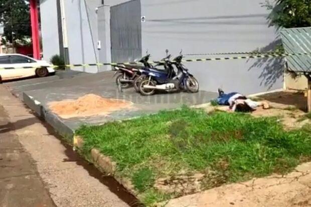 Homem é executado a tiros e suspeitos em caminhonete fogem em Pedro Juan