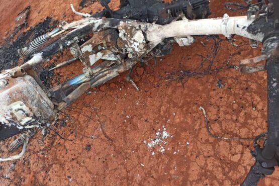 Corpo é encontrado com perfurações e carbonizado em Aral Moreira