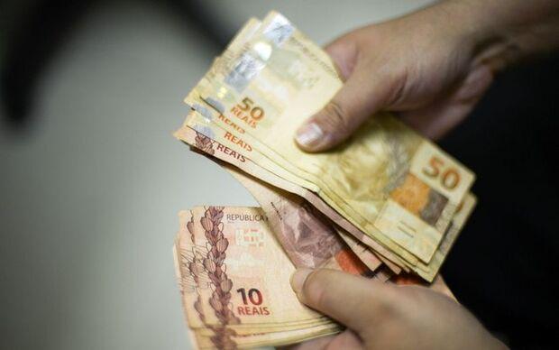 Auxílio-creche e bônus de R$ 1 mil a bons alunos são projetos do governo