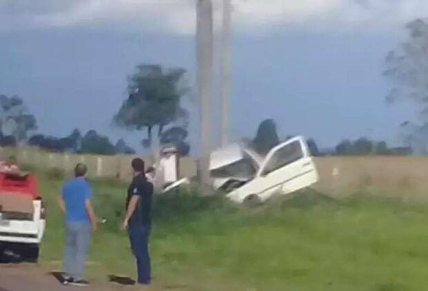 Mãe e bebê de dois meses morrem após carro bater em coqueiro em Bonito
