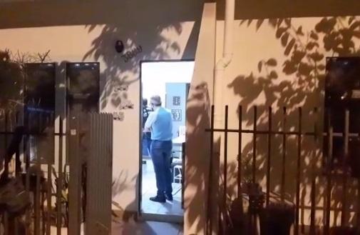 Vídeo: casa onde chargista foi esquartejado passa por exame com luminol no Monte Castelo
