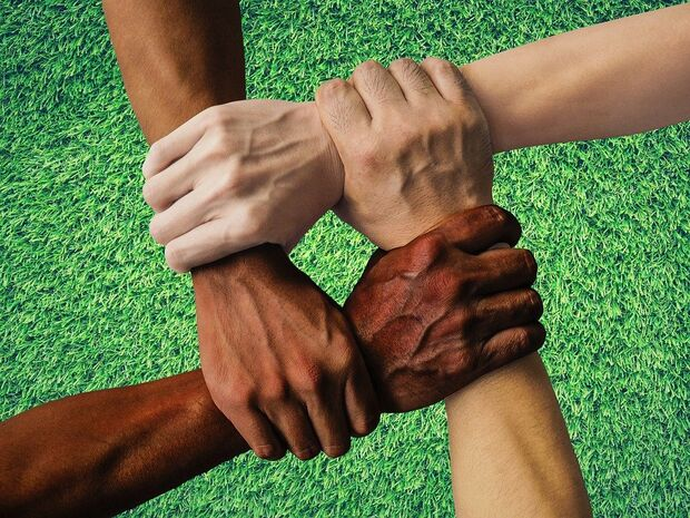 'Não sou racista, até tenho amigo negro': maior expressão do preconceito está na negação