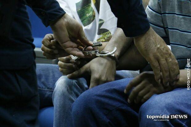 Após perseguição, trio que roubou veículo acaba na cadeia em Campo Grande
