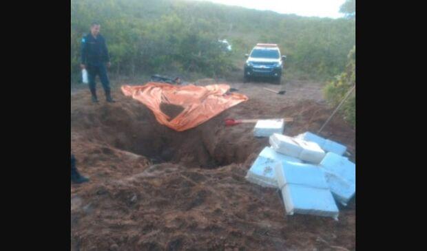 Polícias se unem e apreendem 400 kg de maconha enterradas em Rio Verde