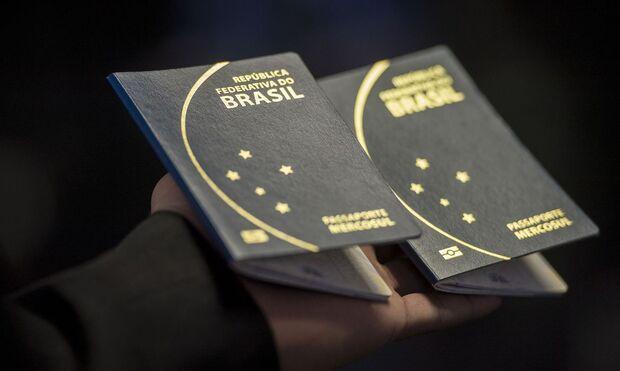 Governo oferece bolsas para dar aula de português na França