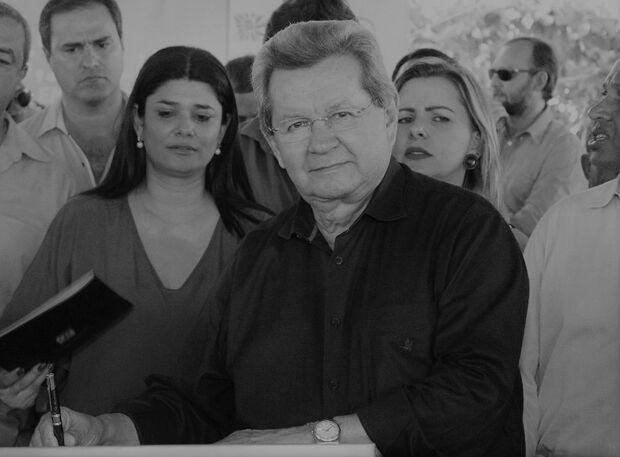 Onevan de Matos não resiste à complicações da covid-19 e morre aos 77 anos