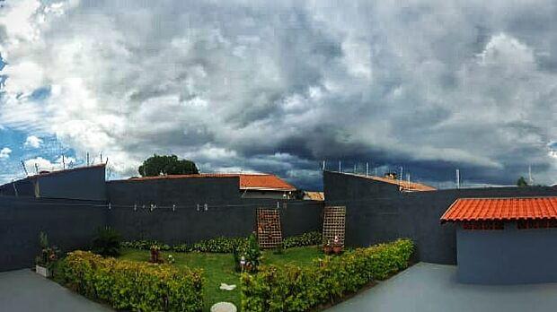 Previsão aponta temporais e ventos de até 90 km/h em Campo Grande