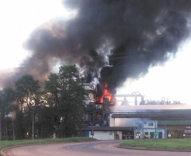 Incêndio atinge caldeira da Usina Rio Amambai, em Naviraí
