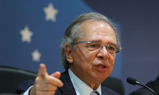 Guedes quer bolsa de R$ 200 para jovens fora do mercado de trabalho