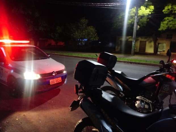 Dupla vê moto estacionada no Jardim Panamá e decide furtar veículo para ir embora