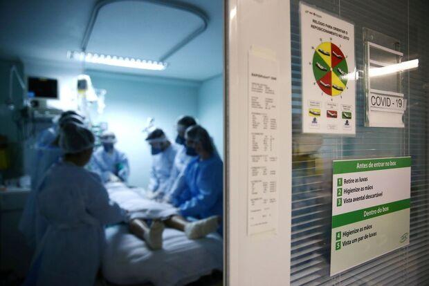 Mesmo com vacina, Brasil registra 1.202 mortes por covid em 24 horas
