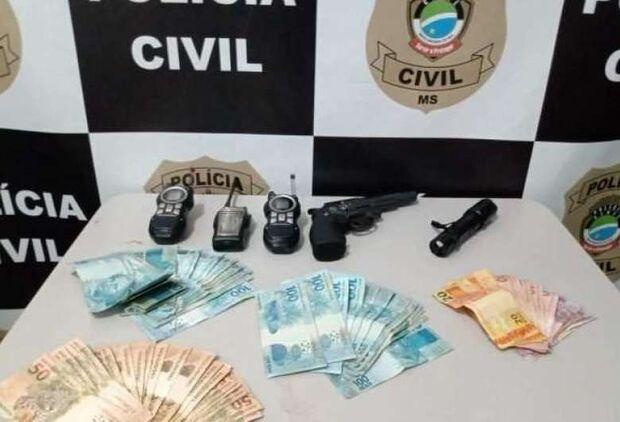 Dupla que invadiu hotel, agrediu idoso e roubou R$ 10 mil é presa