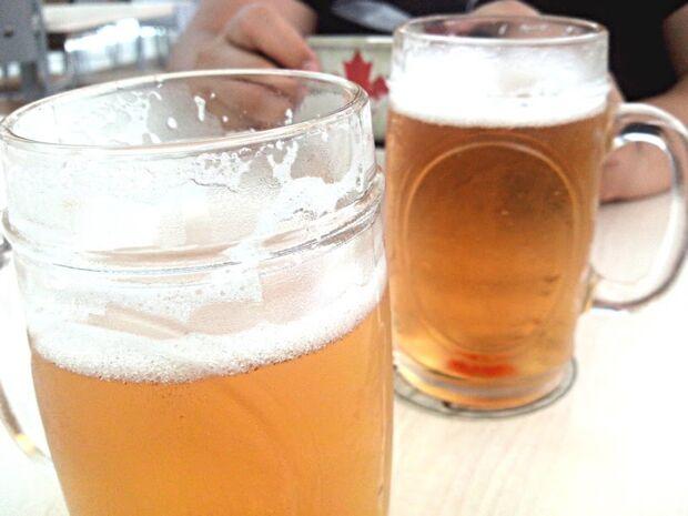 Jovem vai preso por dar cervejas a adolescentes em conveniência no Estrela Park