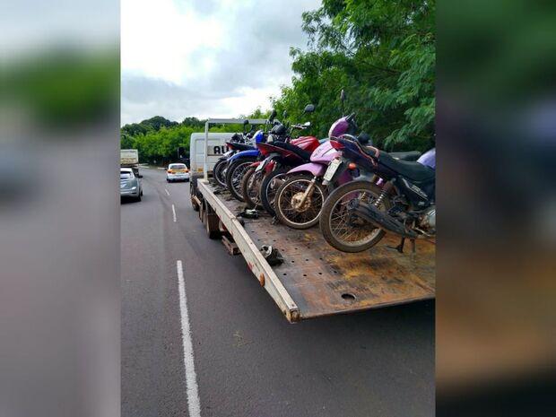 Blitz faz limpa em motos com documentação irregular no Caiçara