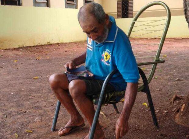 Caso repercute e idoso abandonado ganha mão amiga de trabalhadores em Terenos