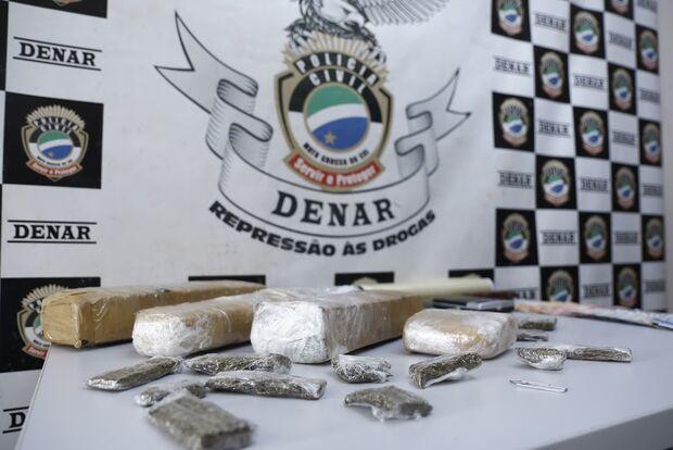 Foragido por homicídio é preso com drogas em Campo Grande