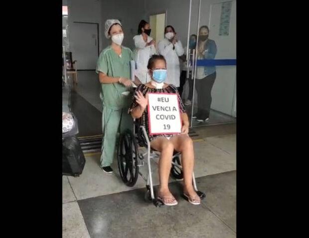Gilda teve falência de órgãos, mas venceu a covid e agora quer ajuda com custos do tratamento