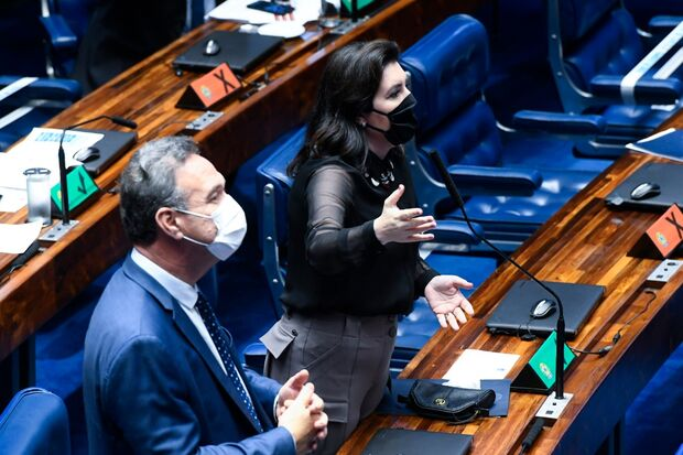 Grupo do Senado sinaliza apoio e Simone Tebet ganha força para disputar presidência