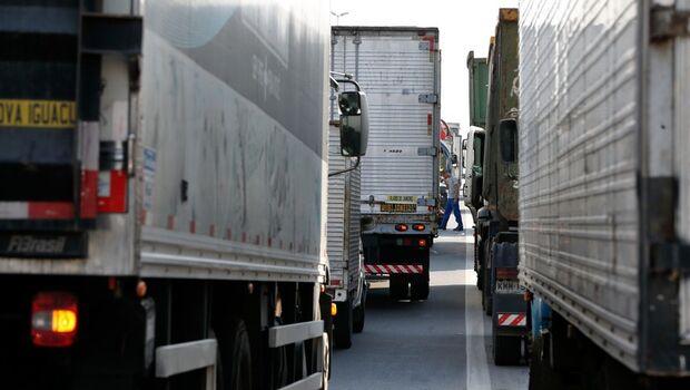 Caminhoneiros pedem reunião com Bolsonaro para evitar greve em fevereiro