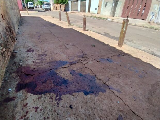 Briga generalizada termina com mulher esfaqueada no Columbia