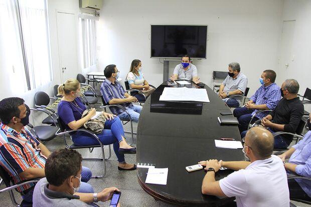 Prefeitura recebe desabrigados por alagamentos em ginásio de Corumbá
