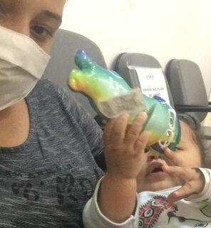 Bebê de 7 meses pega covid-19 e mãe alerta: 'meu filho ficou roxo'