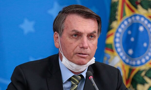 Bolsonaro usa pesquisa distorcida para criticar uso de máscaras