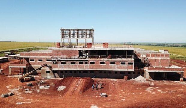 Obra do Hospital Regional de Dourados avança e área construída chega a quase 30%