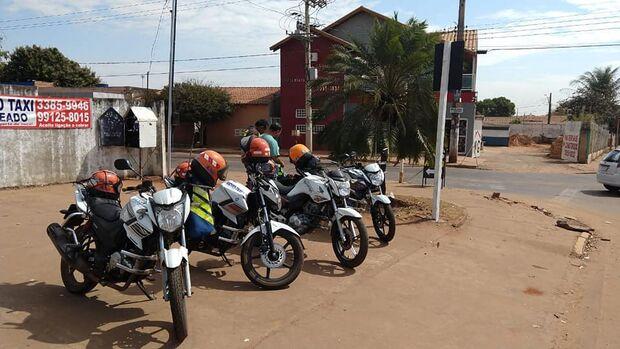 Vida difícil: mais de 50% dos mototaxistas desistiram da profissão em Campo Grande