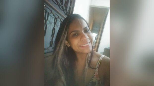 Grande mulher na terra, anjo lindo no céu: filha chora morte da mãe na Nasri Siufi