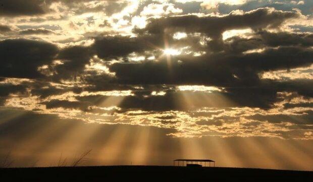 Dia amanhece com sol, mas previsão aponta pancadas isoladas de chuva à tarde em MS