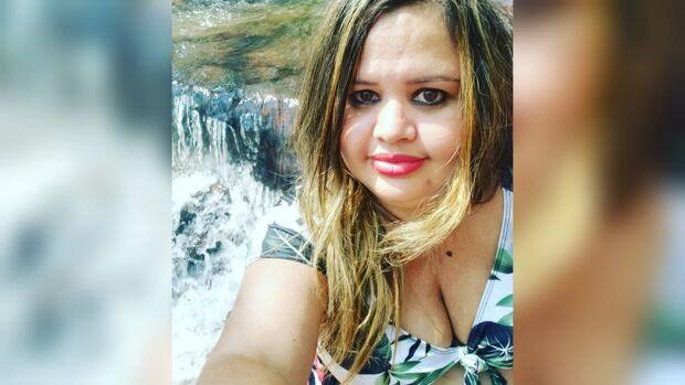 Professora morre de covid-19 e deixa filho de 1 ano