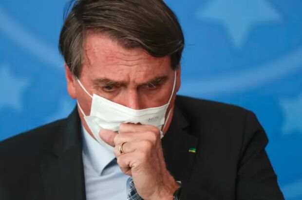 Bolsonaro diz que 'Brasil dá exemplo' contra covid
