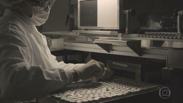 Fiocruz anuncia produção de doses da vacina de Oxford/AstraZeneca
