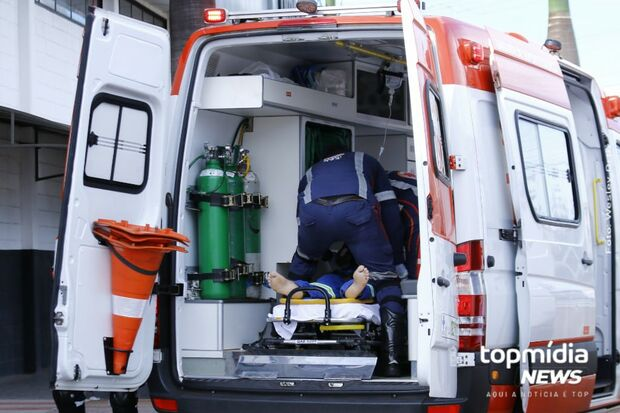 Motorista passa mal e massagem cardíaca de colegas ameniza situação em empresa no Morada Verde