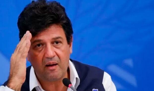 Mandetta diz em CPI que Bolsonaro queria mudar bula da cloroquina