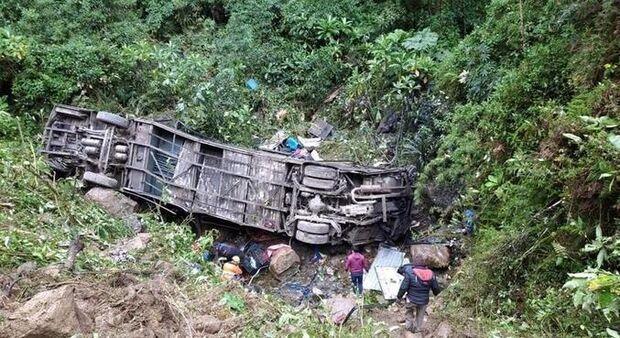 Sobrevivente de voo da Chapecoense escapa de acidente com 21 mortos