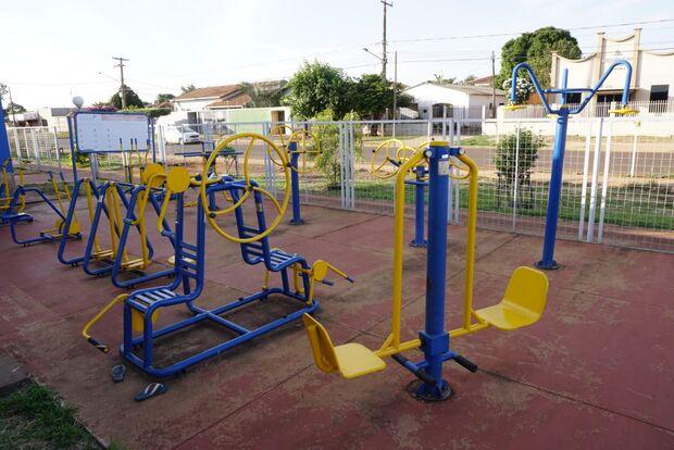 Atividades físicas podem ser feitas ao ar livre e na academia de condomínio, diz deputado